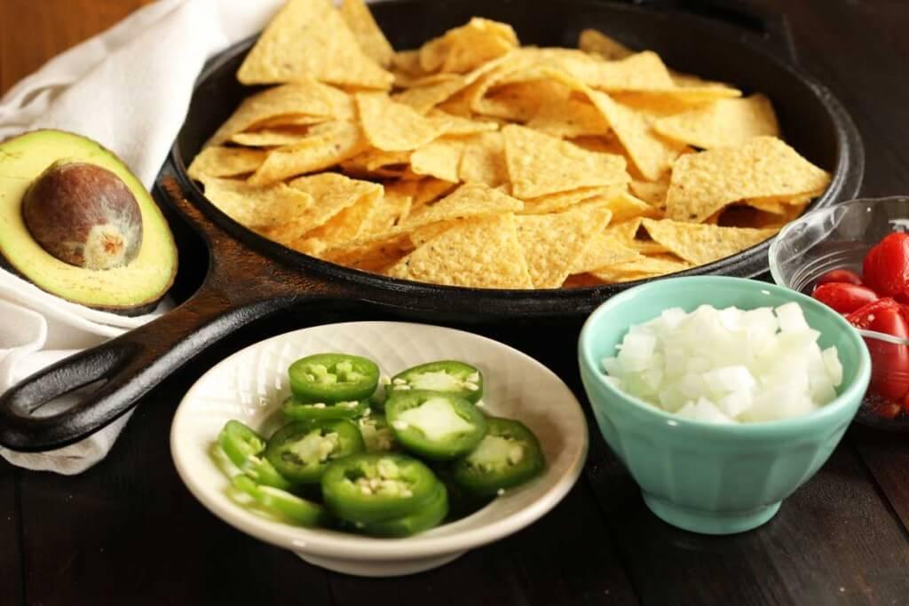Green Chile Pulled Pork Nachos