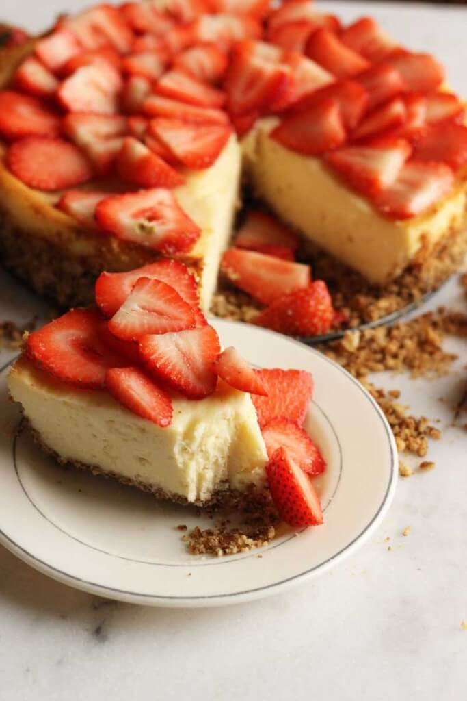 Strawberry Cheesecake with Pretzel Crust